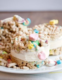 lucky charms treats ice cream sandwiches